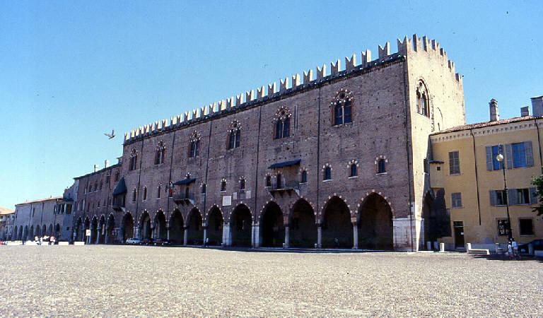 Letto A Castello Lombardia.Palazzo Ducale Mantova Mn Bella Lombardia